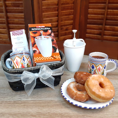 Donut Maker and Chocolate Gift Basket – Kid Friendly KIT027